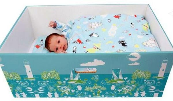 Países pelo mundo adotam caixa de papelão para recém-nascidos