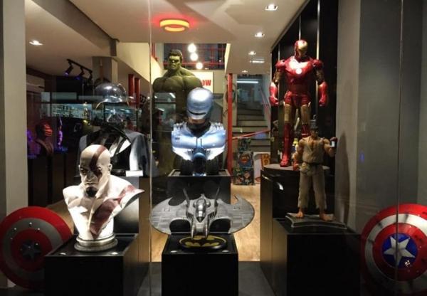 Feira de troca de colecionáveis em São Paulo